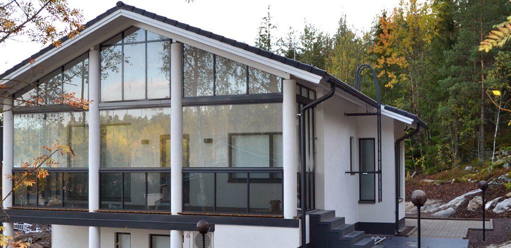 панорамное остекление загородного дома